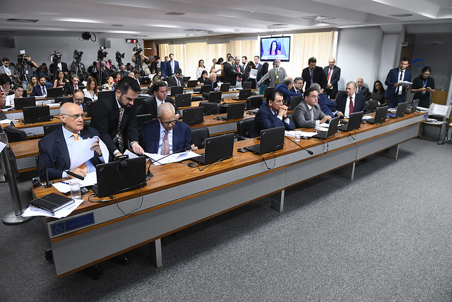 Reforma tributária deve ser votada  na CCJ do Senado em 2 de outubro