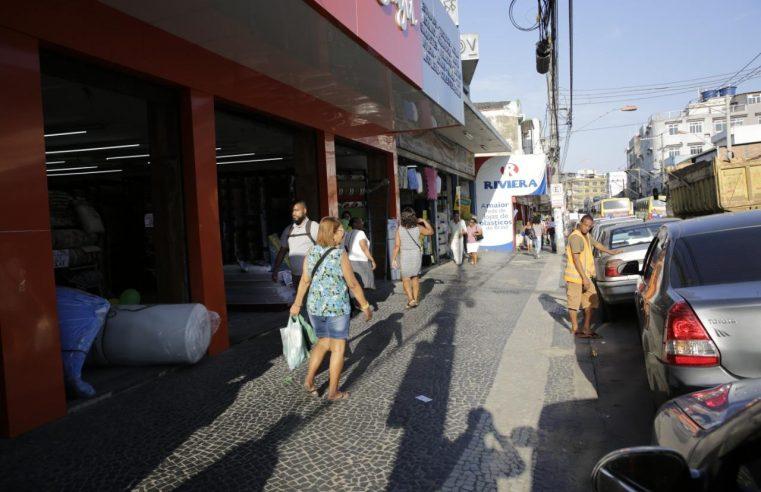 Operação da Prefeitura de Duque  de Caxias retira camelôs do Centro