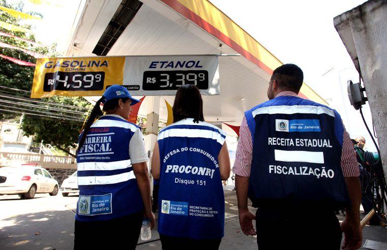 Operação fiscaliza postos de combustíveis no Rio