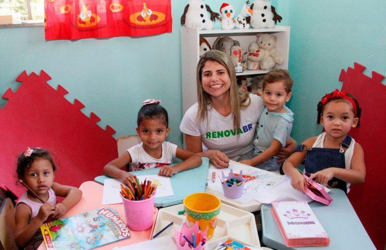 Roda de leitura e brincadeiras marcam a  reinauguração da biblioteca da Casa do Menor