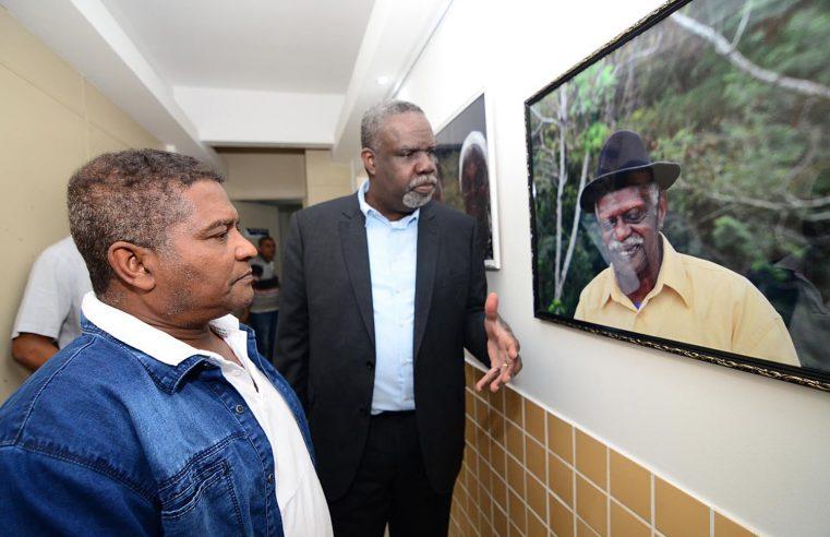 Fenig inaugura Galeria de Artes com exposição fotográfica