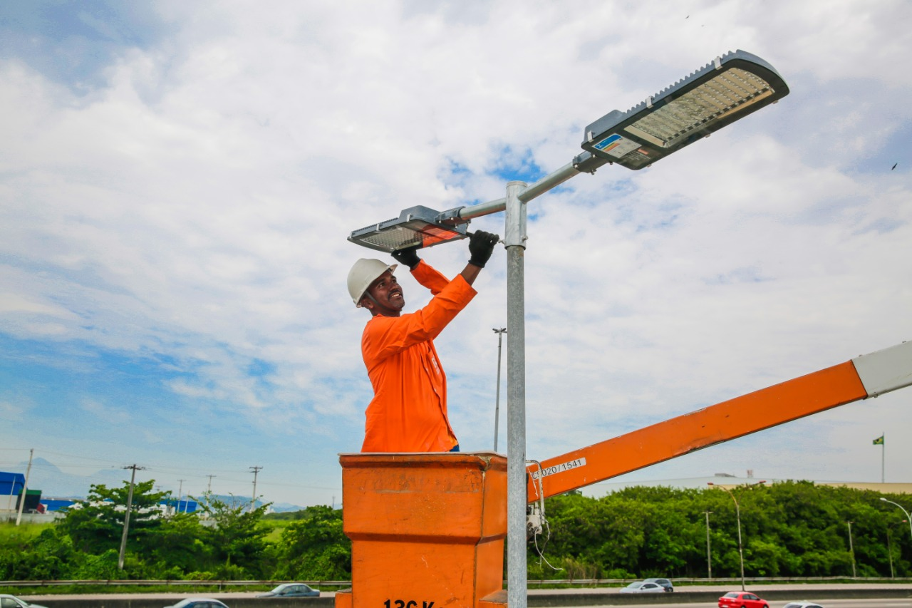 Programa Caxias Cidade Luz proporciona  mais segurança em Duque de Caxias