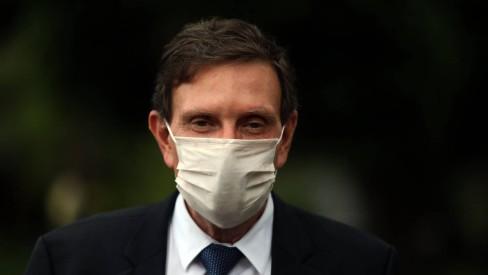 Decreto de Crivella vai obrigar o uso de máscaras nas ruas