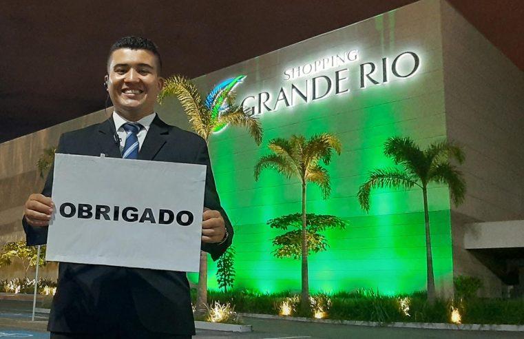 Shopping Grande Rio ilumina fachada em homenagem aos profissionais da saúde
