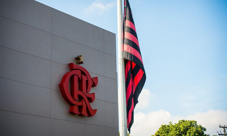 Jogadores do Flamengo postam  mensagens de apoio a treinos