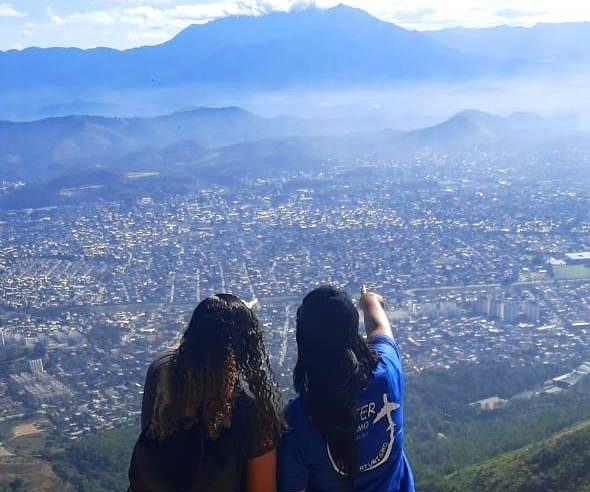 Trilha na Serra do Vulcão