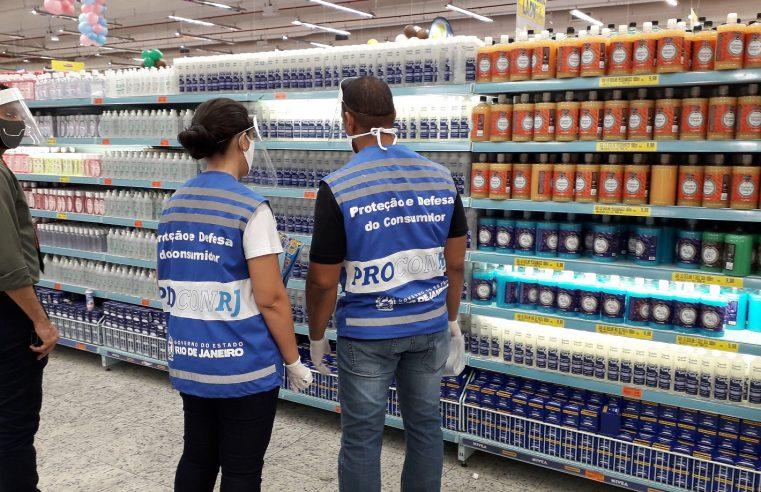 Procon RJ fiscaliza supermercados para apurar denúncias de aumento abusivo de preços