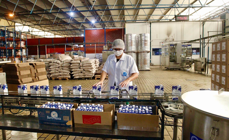 Produtores de leite de Barra  Mansa recebem recursos