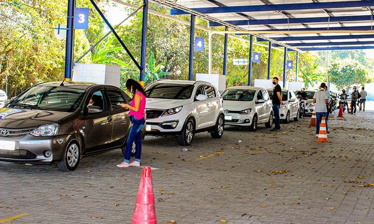 Detran retoma mais dez serviços para veículos