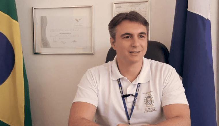 Comissão de Educação debate com secretário  Pedro Fernandes retorno das aulas presenciais
