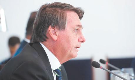 Bolsonaro afirma que  vai manter Bolsa Família