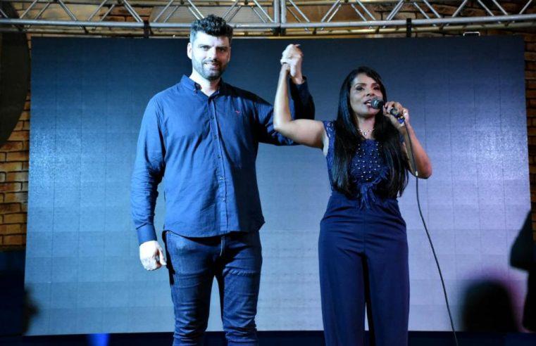 Homologação da candidatura de Cris Gêmeas  e Leonardo Andrade agita Mesquita