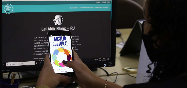 Secretaria de Cultura disponibiliza inscrições  para Lei Aldir Blanc pelo aplicativo Gov.RJ