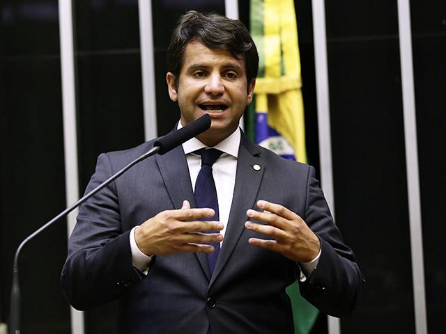 Deputado alerta que estados e municípios devem  se preparar para a vacinação contra a covid-19