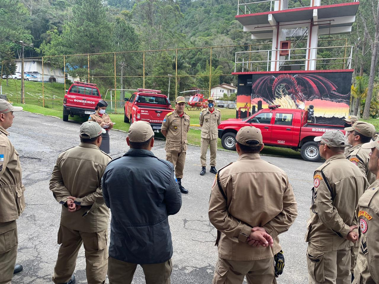 Comandante-geral do Corpo de Bombeiros visita  quartéis nas regiões Serrana e Baixada Fluminense
