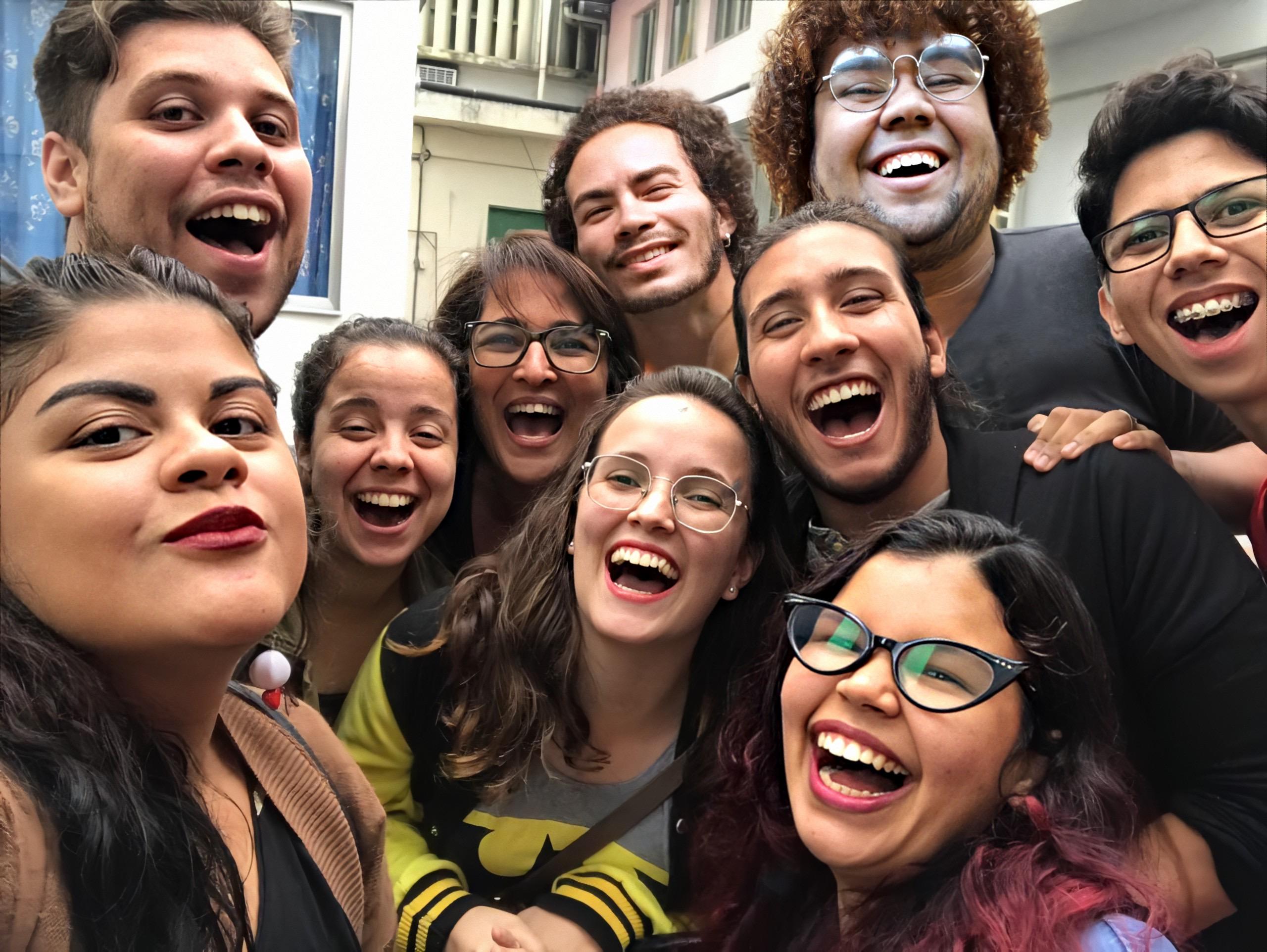 Cia Uz Outrus lança festival  de personagens online