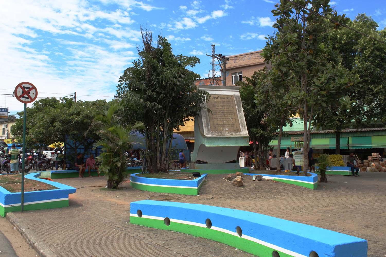 Praça Olavo Bilac ganha novas  cores em ação de revitalização