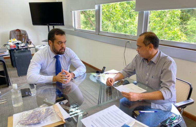 Max Lemos pede ajuda ao governador  para não fechar unidade de tratamento da Covid em Queimados