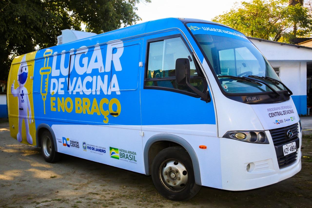 Prefeitura de Duque de Caxias e Fiocruz realizam ação com testagem e vacinação contra a Covid-19